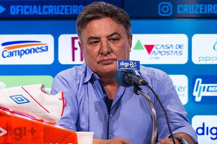 Após reunião, Zeze Perrella deixa a Presidencia deliberativa do Cruzeiro; o foco é o futebol.