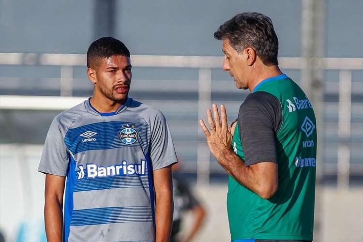 Machado se apresenta ao torcedor do Cruzeiro, ressalta características e analisa oportunidade: 'Sonho de qualquer jogador'