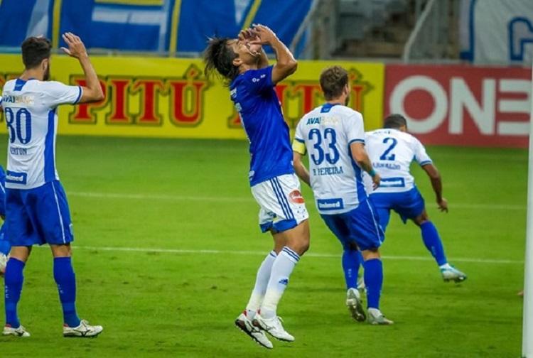Cruzeiro é derrotado pelo Avaí e pode terminar rodada no Z4 da Série B